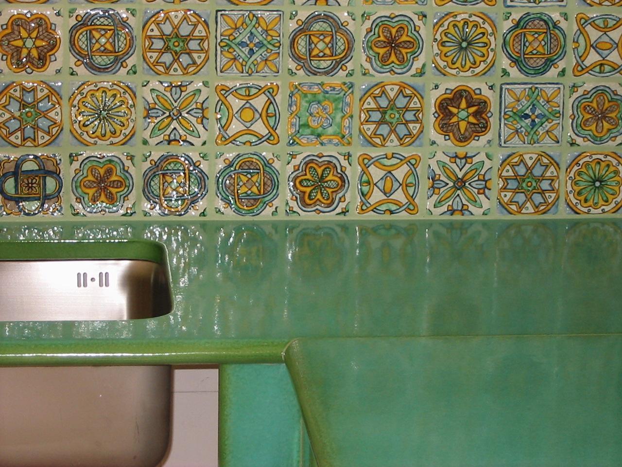 Piastrelle decorate per cucina good elegant disegno piastrelle per cucine in muratura moderne - Piastrelle pietra lavica ...