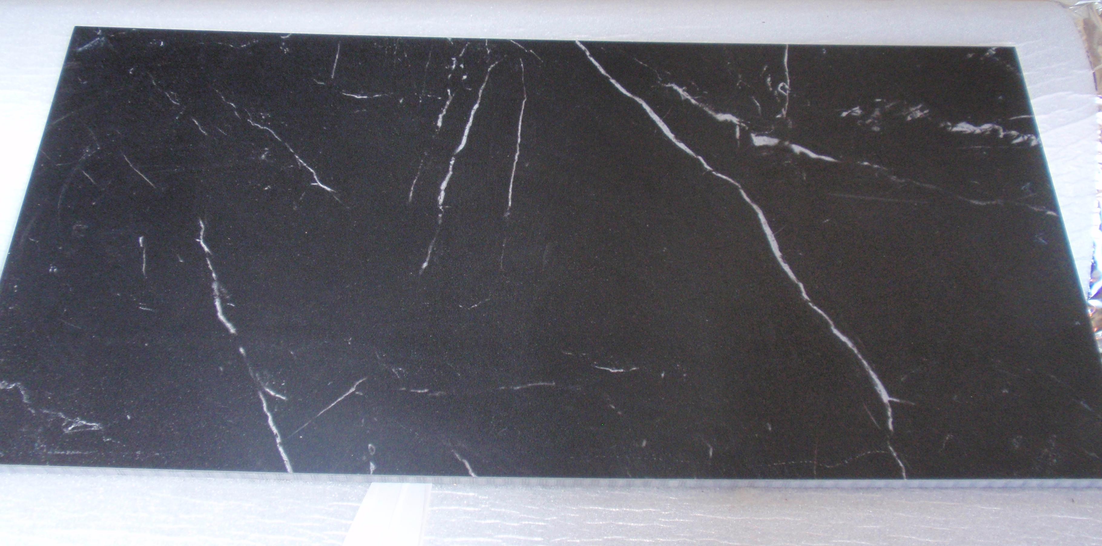 Gres porcellanato Paros Noire 30x60 Prezzo 9,00 €/mq +