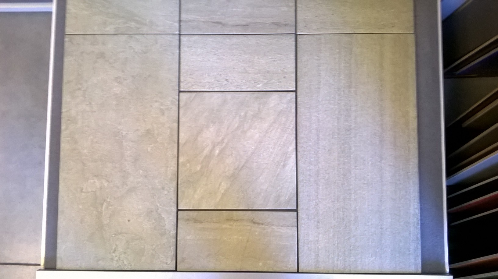 Pavimento in gres porcellanato strutturato per esterno